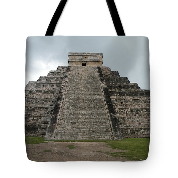 Tote Bag featuring the photograph Mexico Chichen Itza by Dianne Levy