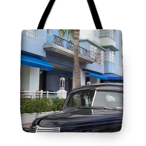 Tote Bag featuring the photograph Miami Beach by Mary-Lee Sanders
