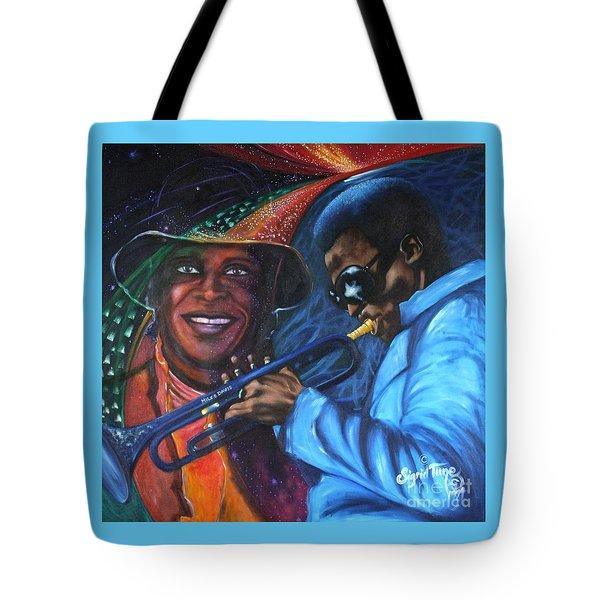 Blaa Kattproduksjoner            Miles Davis - Smiling Tote Bag