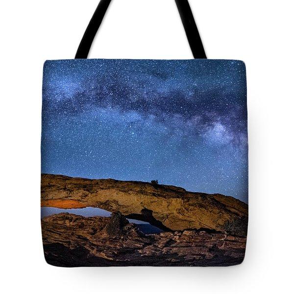 Milky Way Over Mesa Arch Tote Bag