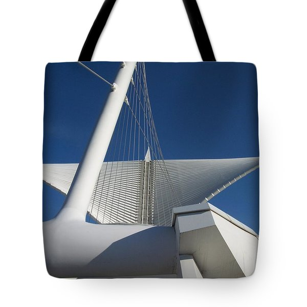 Milwaukee Art Museum Cropped Tote Bag
