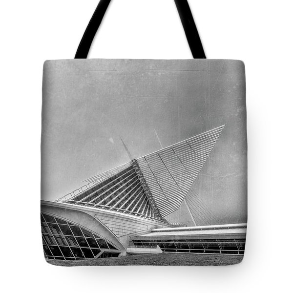 Tote Bag featuring the photograph Milwaukee Museum Of Art Special 2 by David Haskett
