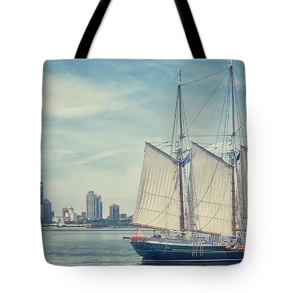 Milwaukee Schooner Tote Bag