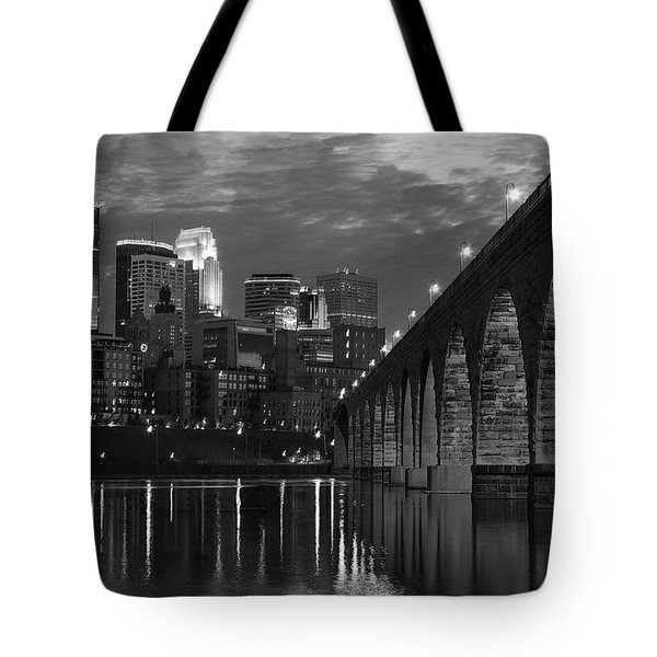 Minneapolis Stone Arch Bridge Bw Tote Bag