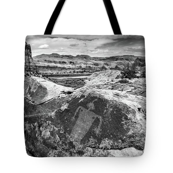 Moab Maiden Petroglyph - Black And White - Utah Tote Bag