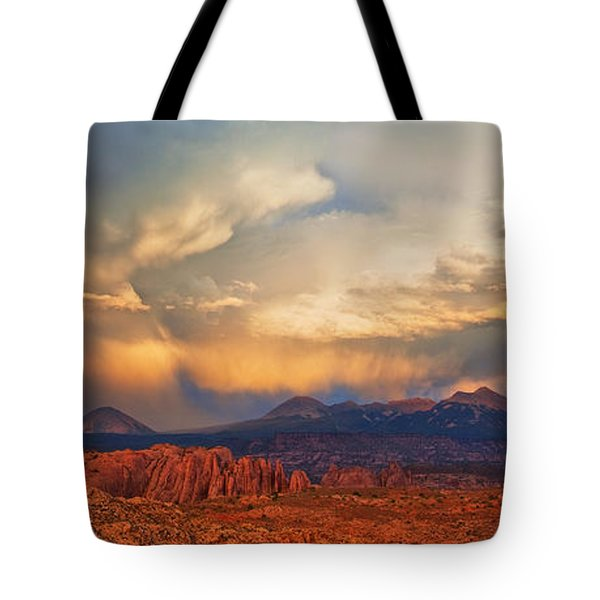 Moab Sunset Panorama Tote Bag