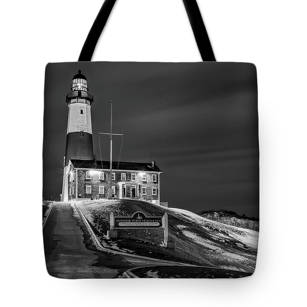Tote Bag featuring the photograph Montauk Point Lighthouse Bw by Susan Candelario