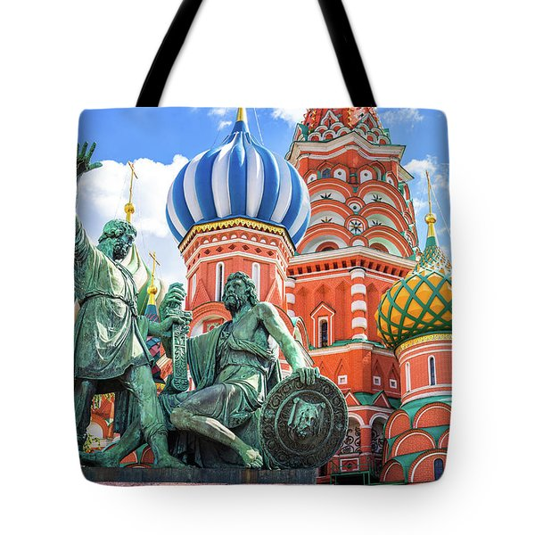 Tote Bag featuring the photograph Monument To Minin And Pozharsky by Delphimages Photo Creations
