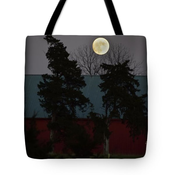 Tote Bag featuring the photograph Moon Over A Kansas Barn by Mark McReynolds