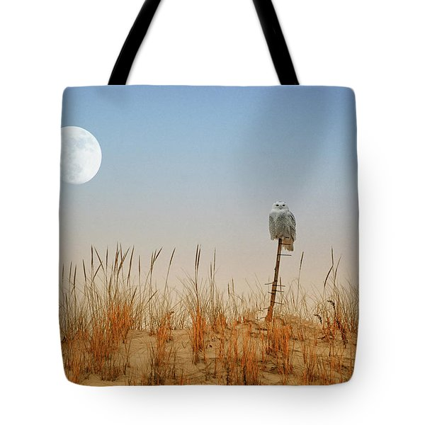 Moon Rise Snowy Owl Tote Bag