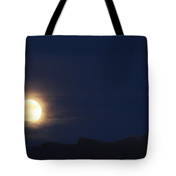 Tote Bag featuring the photograph Moonrise On Lake Mead 2 by Marie Leslie