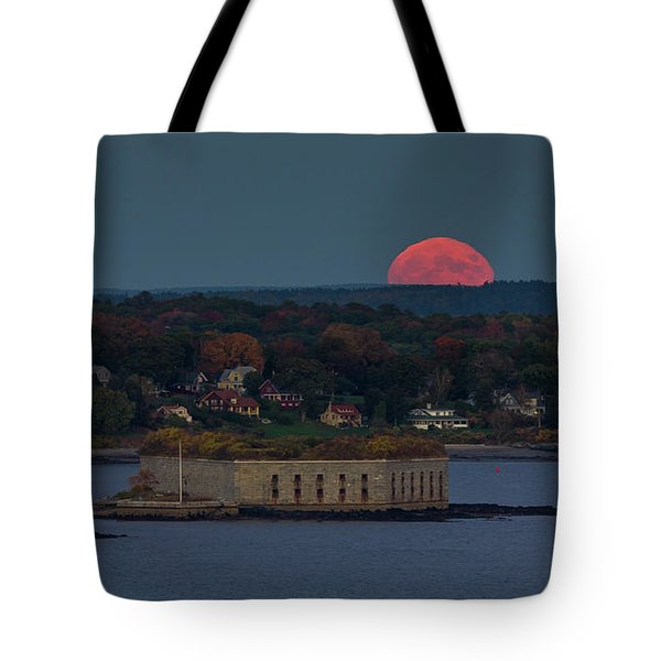 Moonrise Over Ft. Gorges Tote Bag