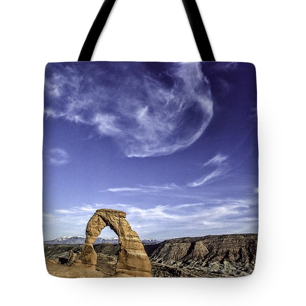 Moonset Delicate Arch Tote Bag