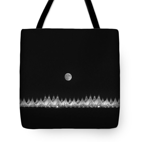 Moonset Over Dia Tote Bag