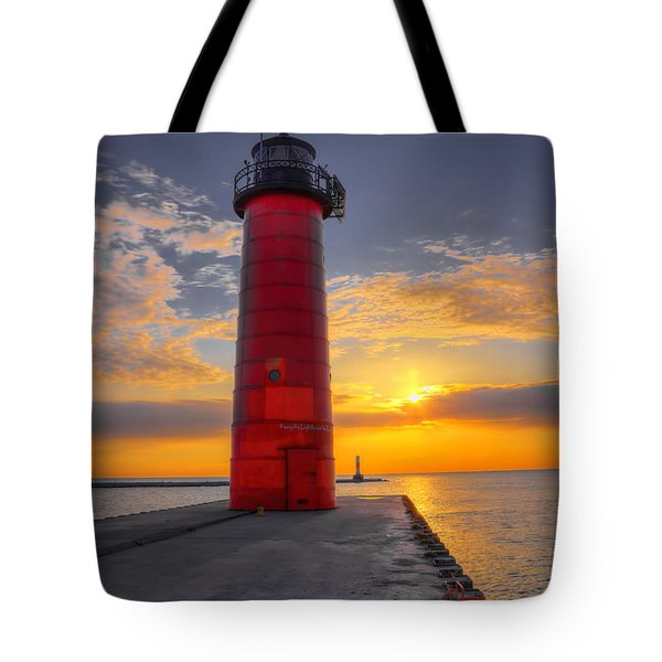 Tote Bag featuring the photograph Morning At The Kenosha Lighthouse by Dale Kauzlaric