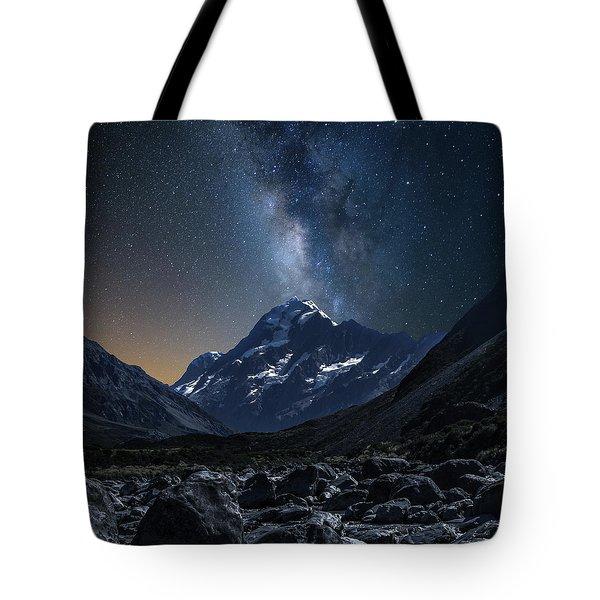 Mount Cook At Night Tote Bag