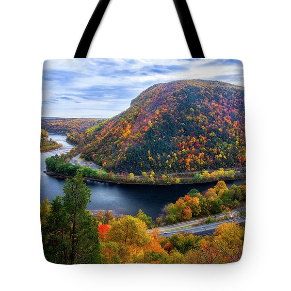 Tote Bag featuring the photograph Mount Minsi by Mark Papke