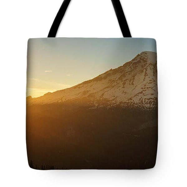 Mount Rainier Evening Light Rays Tote Bag by Mike Reid