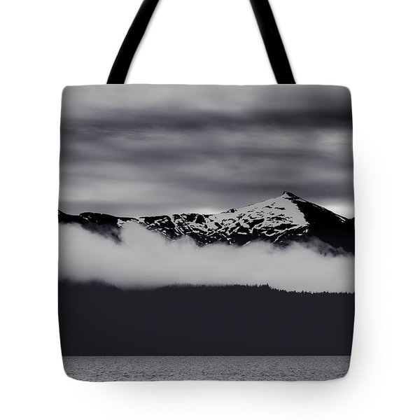 Mountain Contrast Tote Bag