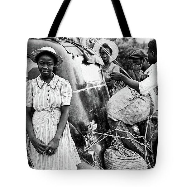 Moving 1930s Tote Bag