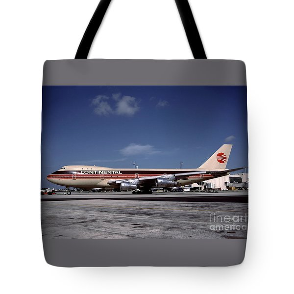 N17011, Continental Airlines, Boeing 747-143 Tote Bag