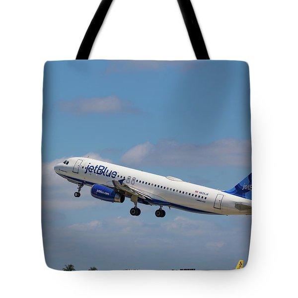 N625jb Jetblue At Fll Tote Bag