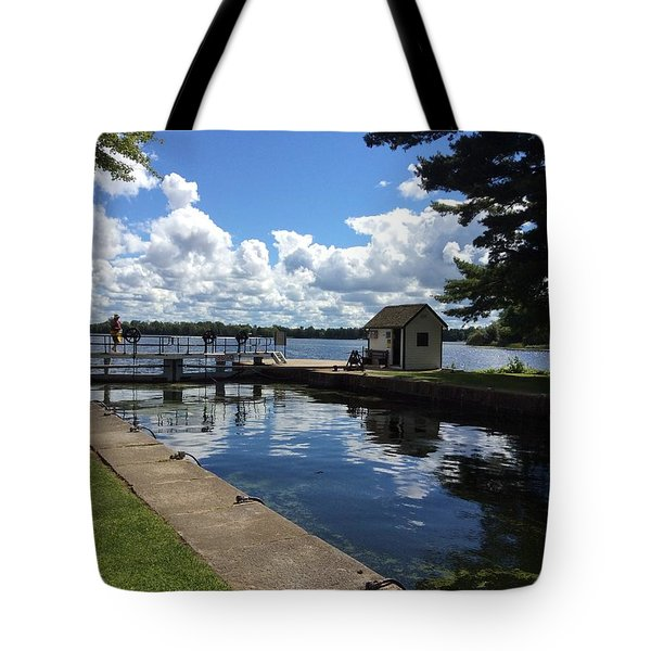 Tote Bag featuring the photograph Narrows Lock by Pat Purdy
