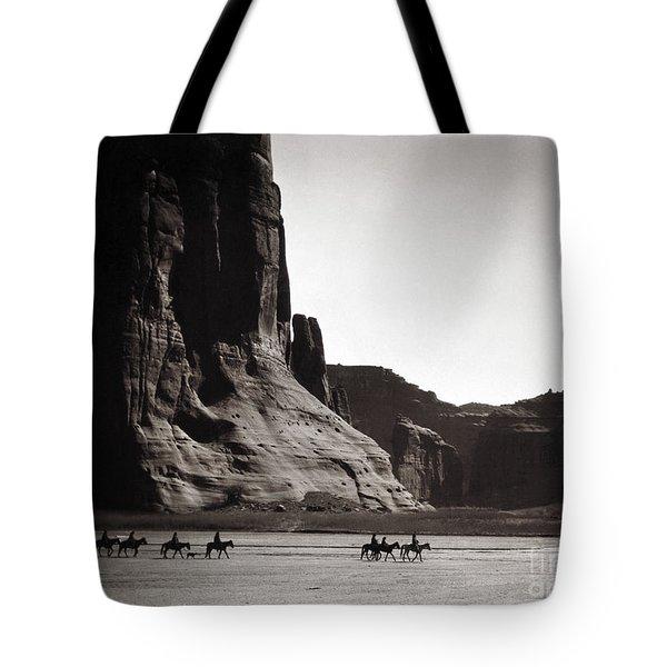 Navajos Canyon De Chelly, 1904 Tote Bag