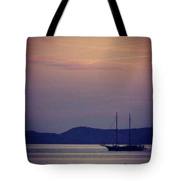 Navegando Por Ibiza Tote Bag