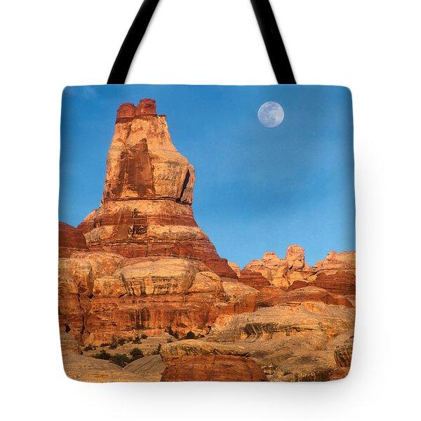 Needles Moonrise At Sunset Tote Bag