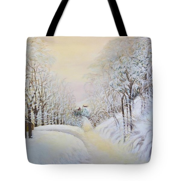 New Snow In Hunting Hills Tote Bag by Douglas Ann Slusher