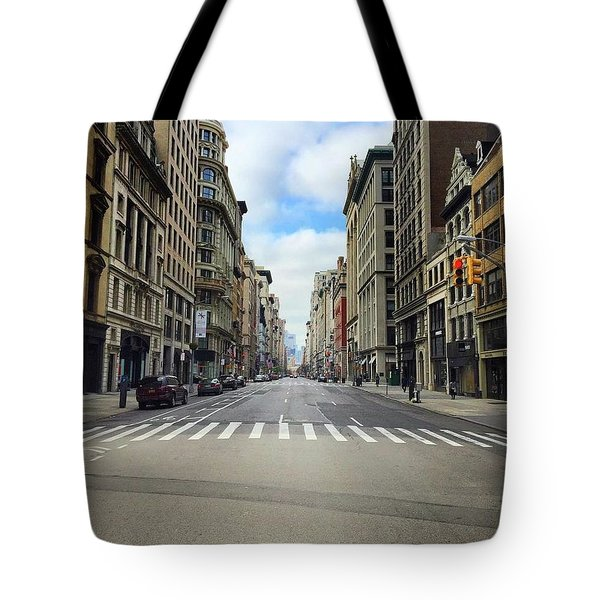 New York Edge Of City Tote Bag