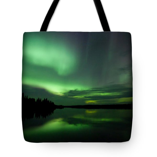 Tote Bag featuring the photograph Night Show by Yvette Van Teeffelen