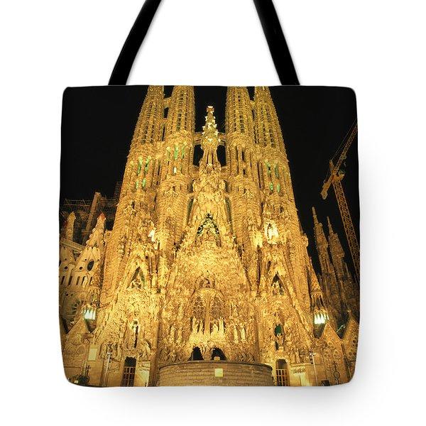 Night View Of Antoni Gaudis La Sagrada Tote Bag by Richard Nowitz