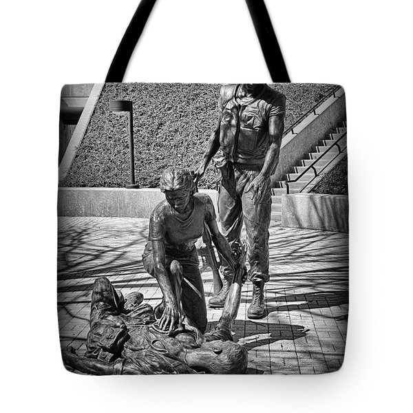 Tote Bag featuring the photograph Nj Vietnam Veterans Memorial by Paul Ward