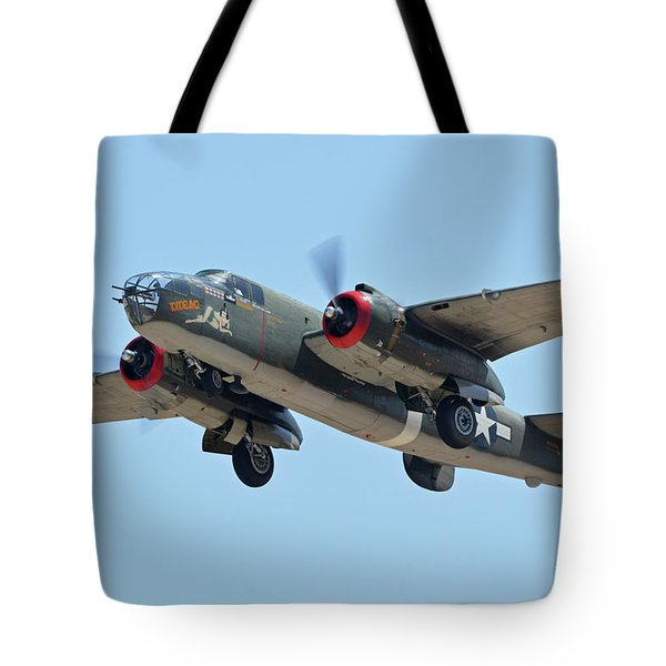 North American B-25j Mitchell Nl3476g Tondelayo Phoenix-mesa Gateway Airport Arizona April 15, 2016 Tote Bag by Brian Lockett