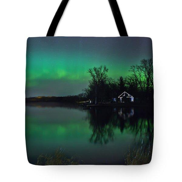 Northern Lights At Gull Lake Tote Bag