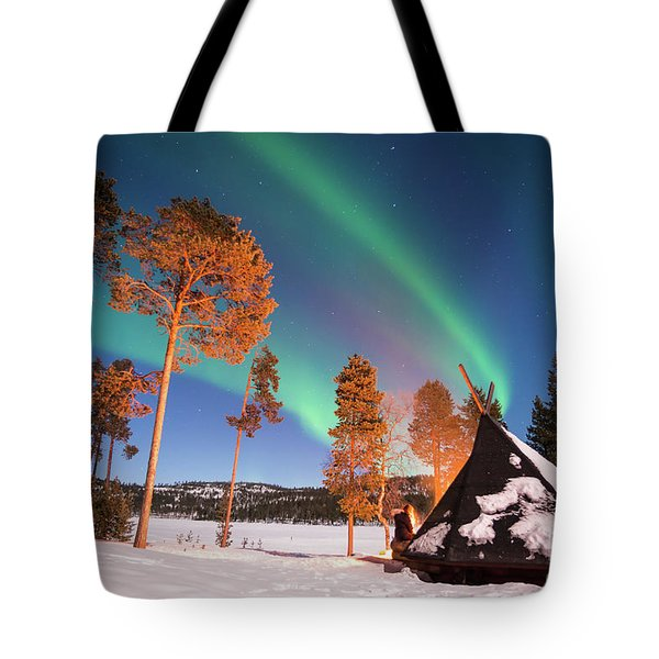 Tote Bag featuring the photograph Northern Lights By The Lake by Delphimages Photo Creations
