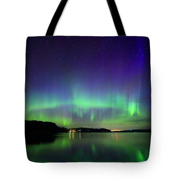 Northern Lights In Maine Tote Bag by Barbara West