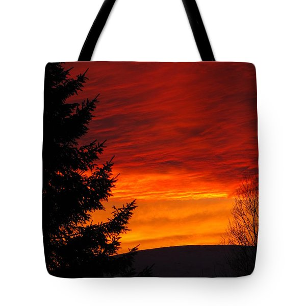 Northern Sunset 2 Tote Bag