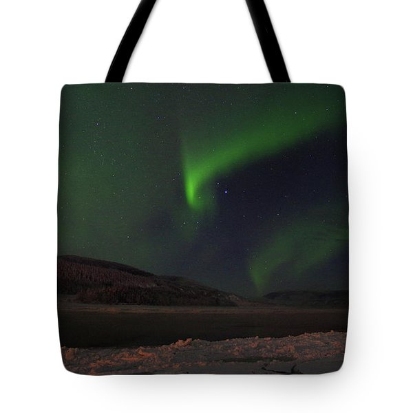 Tote Bag featuring the photograph Northern Yukon Lights 1 by Phyllis Spoor