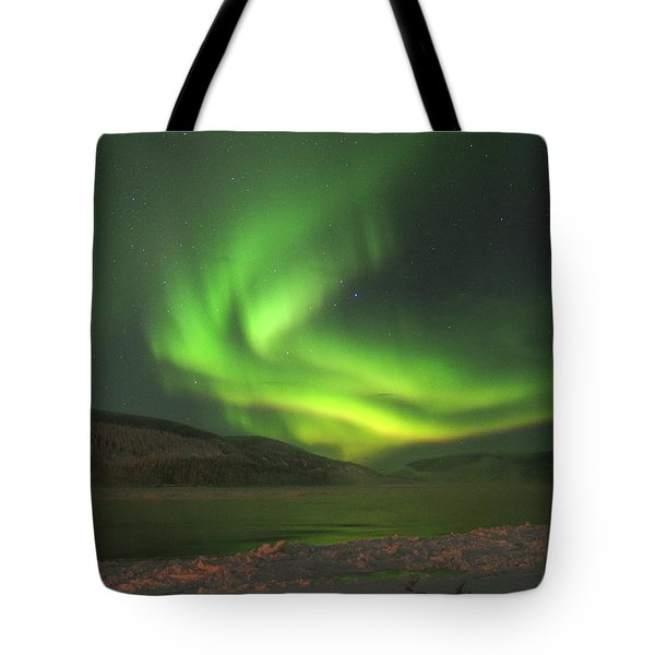 Tote Bag featuring the photograph Northern Yukon Lights 7 by Phyllis Spoor