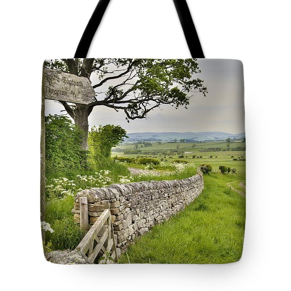 Northumberland Footpath Sign Tote Bag