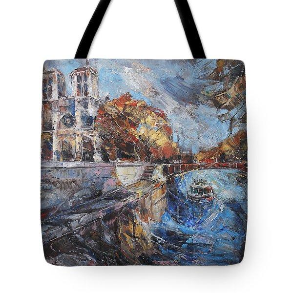 Notre-dame De Paris Tote Bag