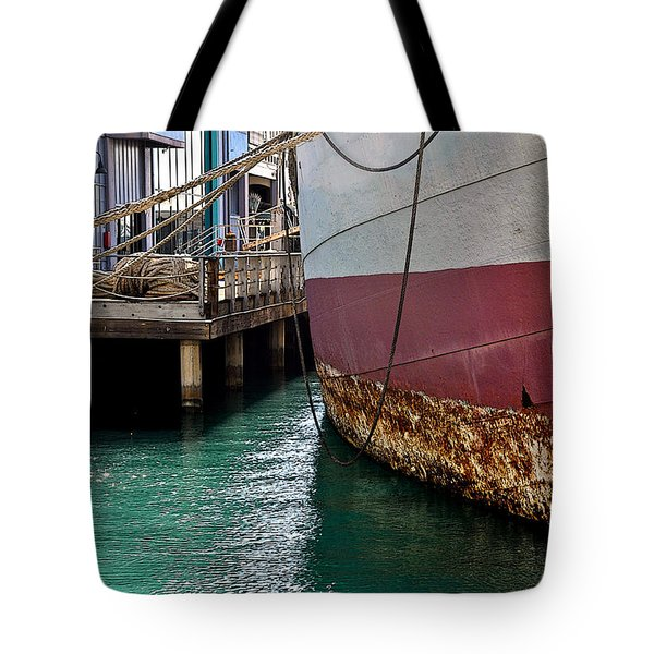 Tote Bag featuring the photograph Oahu Harbor by Gina Savage