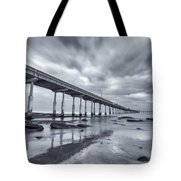 O.b. Pier Monochrome Tote Bag