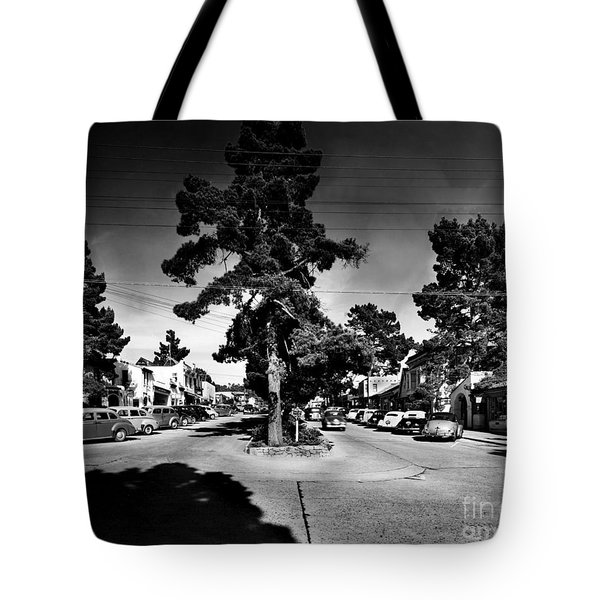 Ocean Avenue At Lincoln St - Carmel-by-the-sea, Ca Cirrca 1941 Tote Bag