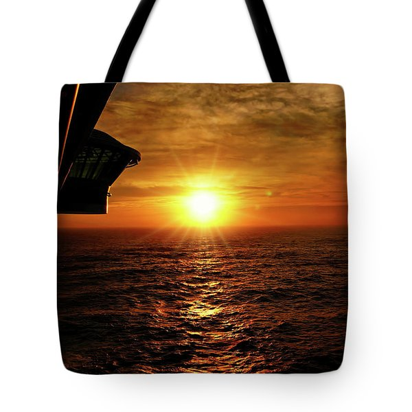 Ocean Sunset Tote Bag by Sue Melvin