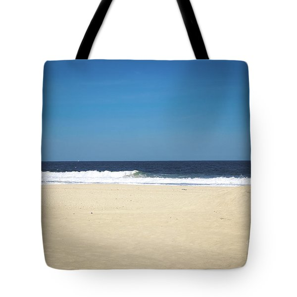 Ocean Waves On The Horizon Tote Bag