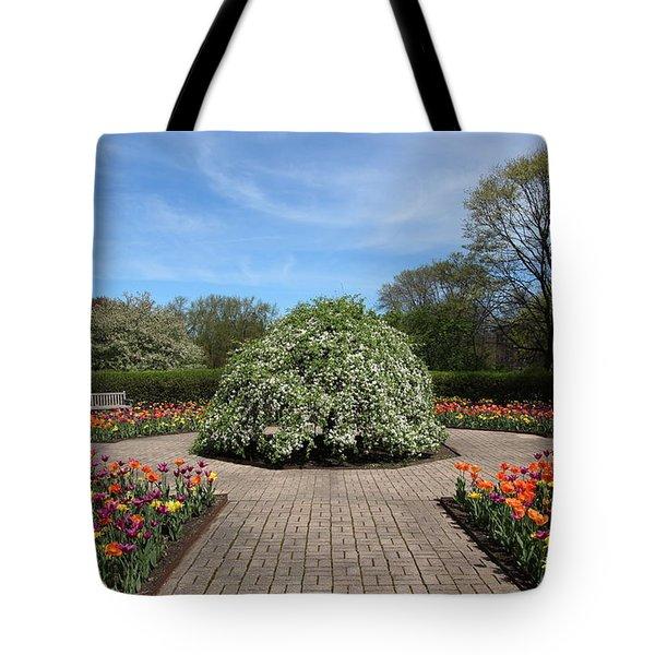 Octagon Garden At Cantigny Park Tote Bag by Rosanne Jordan